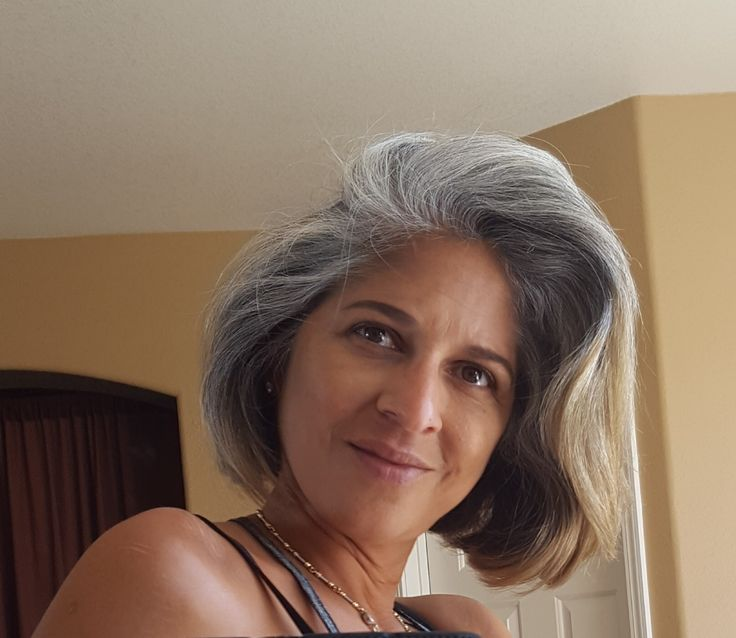 Femme 50 Ans Naturally White Silver Grey Hair Another