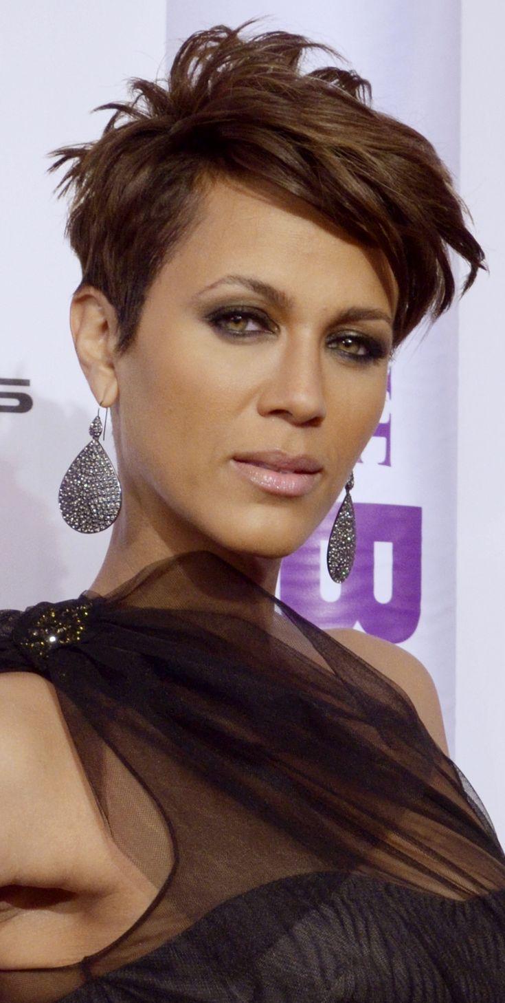 Style Femme 50 ans : Coupes de cheveux courts: Les meilleurs styles Edgy pour les femmes noires ...