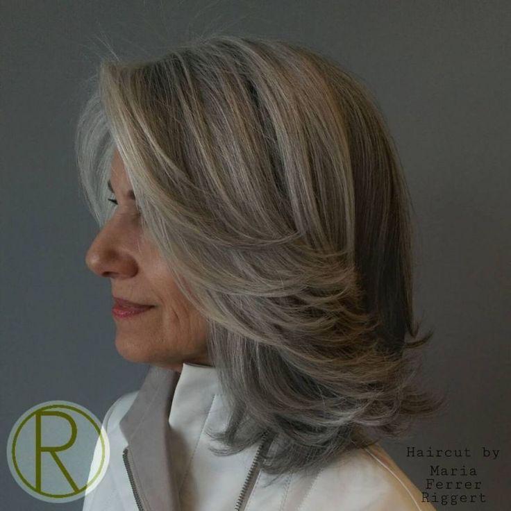 Femme 50 ans - Naturally White Silver Grey Hair : 60 magnifiques styles de cheveux gris ...