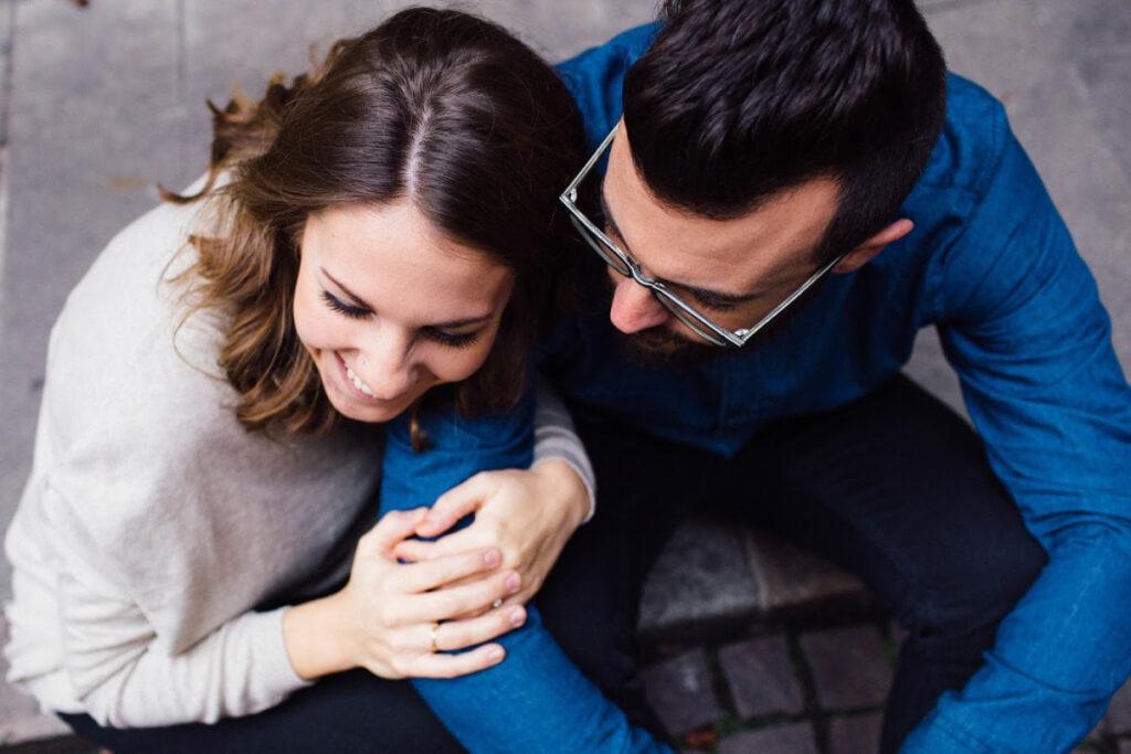 """Lorsque votre mariage fait face à des moments difficiles, le retrait n'est pas la solution. Au lieu de cela, rapprochez-vous de votre mari pour que votre mariage se renforce en cas de stress. via @ Club31Women """"data-pin-description ="""" Lorsque votre mariage fait face à des moments difficiles, le retrait n'est pas la solution. Au lieu de cela, rapprochez-vous de votre mari pour que votre mariage se renforce en cas de stress. via @ Club31Women """"data-pin-url ="""" https://club31women.com/draw-close-to-husband-hard-times/ """"src ="""" https://club31women.com/wp-content/uploads/How -pour-dessiner-près de votre mari pendant les moments difficiles.png """"/><noscript><p><em>Lorsque la vie tombe sur des moments difficiles, plutôt que de vous retirer de votre mari, soyez intentionnel de vous rapprocher de lui.</em></p><p><img class="""