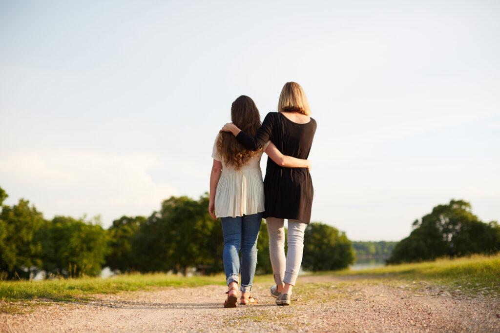 """Comment une mère se rapproche-t-elle de sa fille? Comment apprenez-vous à connaître son cœur? Voici 21 questions réfléchies qu'elle a vraiment besoin de vous! via @ Club31Women """"data-pin-description ="""" Comment une mère se rapproche-t-elle de sa fille? Comment apprenez-vous à connaître son cœur? Voici 21 questions réfléchies qu'elle a vraiment besoin de vous! via @ Club31Women """"data-pin-url ="""" https://club31women.com/questions-daughter-needs-ask/ """"src ="""" https://club31women.com/wp-content/uploads/21-Questions-Your -Fille-a-vraiment-besoin-de-vous-demander.png """"/><noscript><p><img class="""