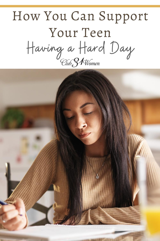 Lorsque votre adolescent est stressé ou qu'il a une dure journée, comment pouvez-vous l'aider?  Proposer des solutions?  Donnez-leur de l'espace?  via @Club31Women