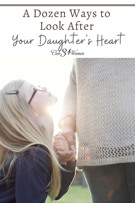 Tu sais qu'une fille a besoin de sa mère.  C'est vers toi qu'elle se tournera pour qu'elle puisse en apprendre davantage sur la vie et être une femme.  Alors, comment faites-vous pour prendre soin de son cœur ?  Voici une douzaine de façons..... via @Club31Women